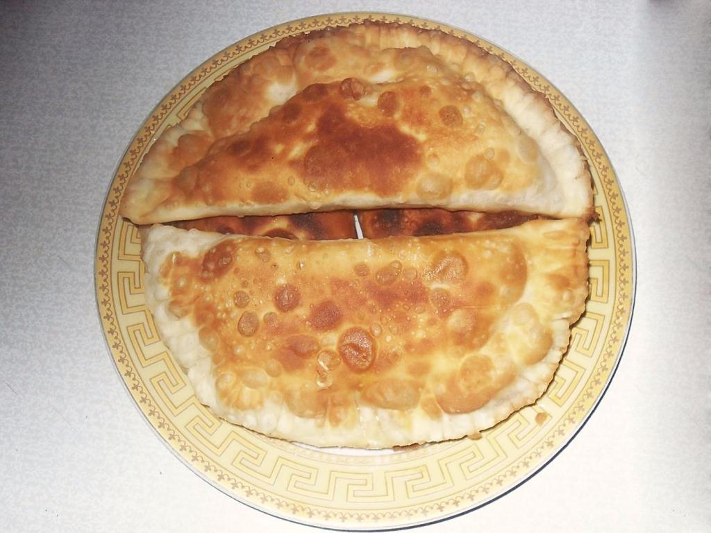 Пошаговый фото-рецепт приготовления крымских чебуреков смясом