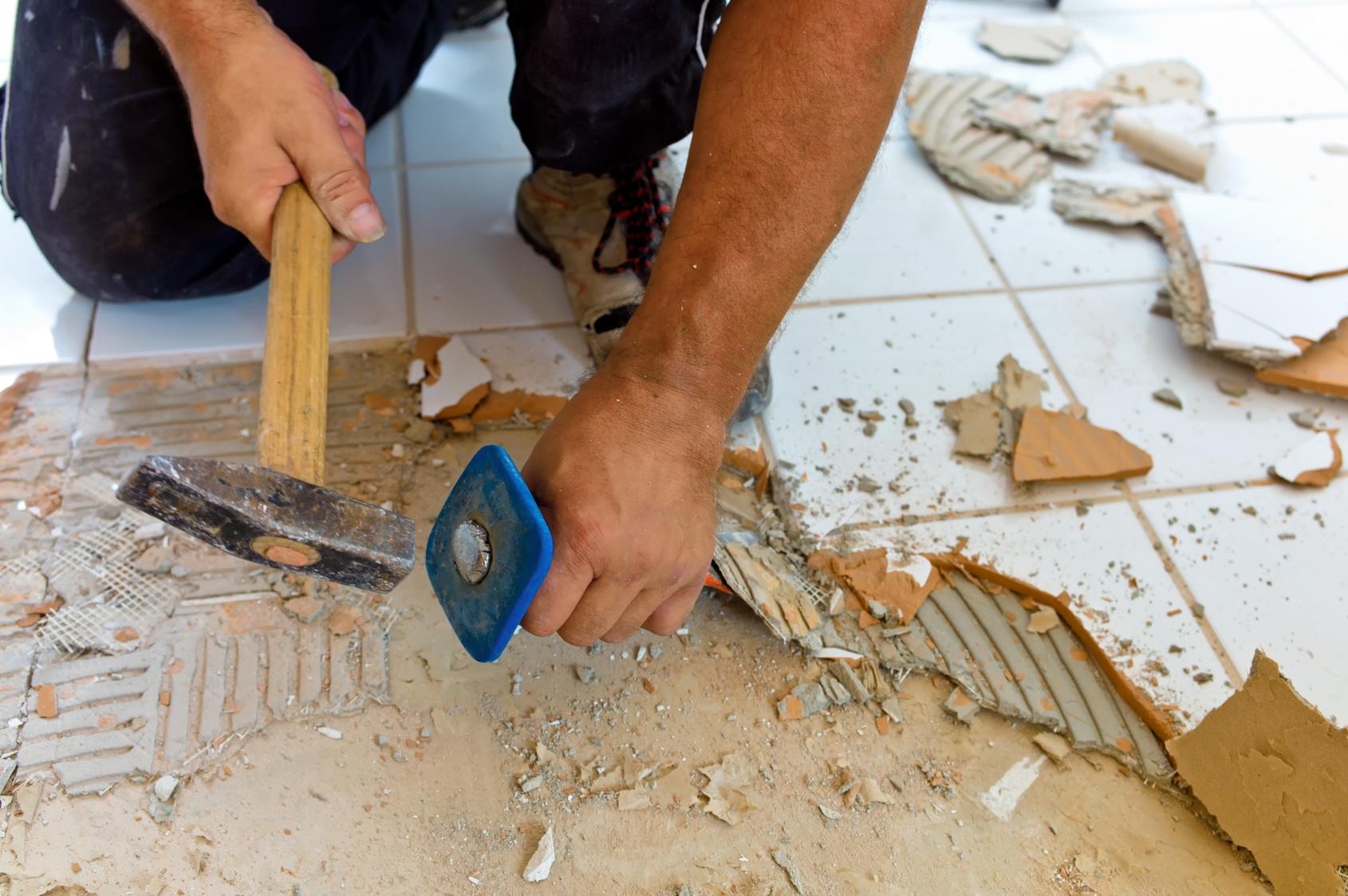 Типичные ошибки рядом ремонте своими руками ипри найме рабочих