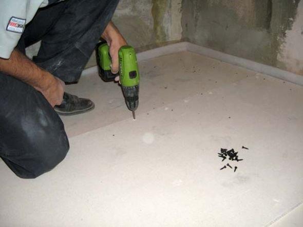 Стяжка пола  своими руками в  бане — бетонная и сухая