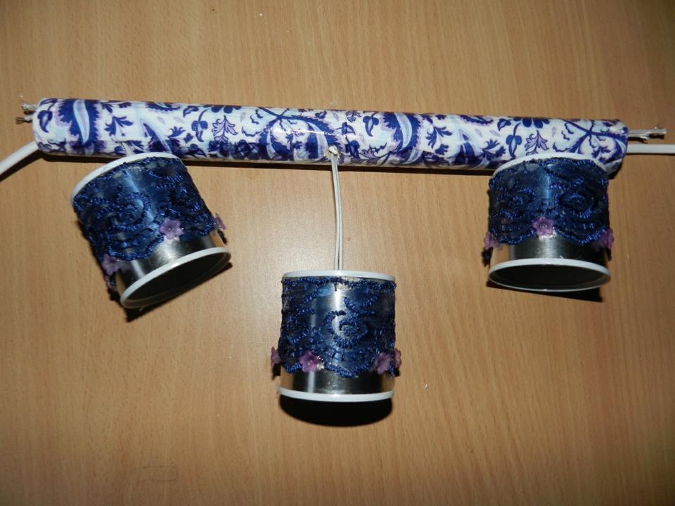 Как сделать блестящий светильник изметаллических баночек своими руками
