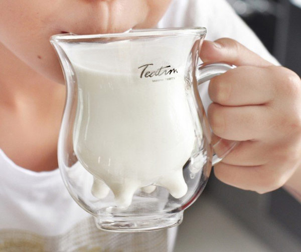 Молоко вестественной упаковке