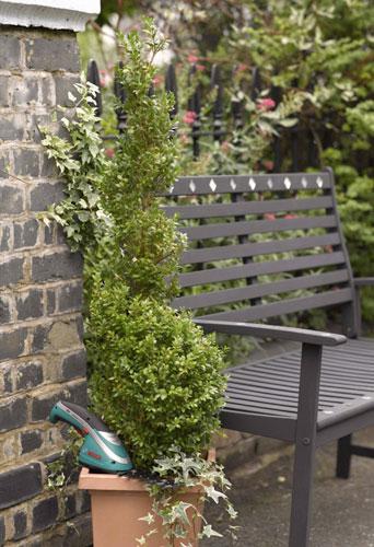 Садовая слайд смозаичными элементами. Пошаговая инструкция