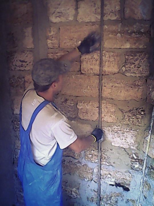 Как штукатурить стены помаякам изарматуры