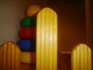 Как сделать полку для игрушек извагонки