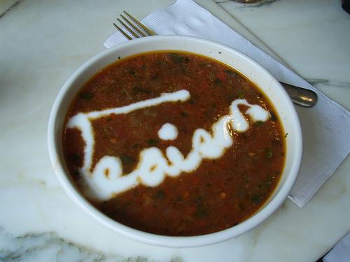 Рецепты приготовления летних супов: свекольника, томатного супа гаспачо