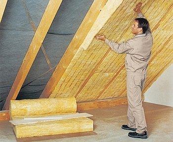Утепление крыши дома изнутри: особенности использования материалов