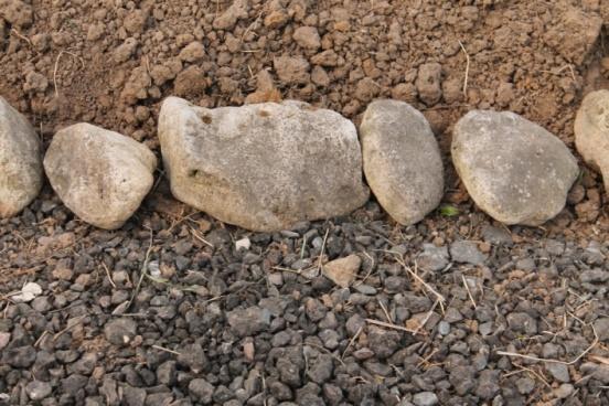 Фото-идеи применения бутового камня наприусадебном участке