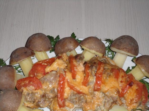 Фото-рецепты праздничного стола: запеченная бекон вфольге ссыром ипомидорами