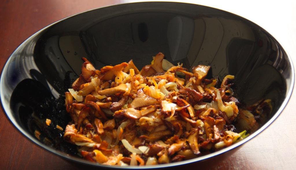 Фото-рецепт приготовления жареных грибов лисичек