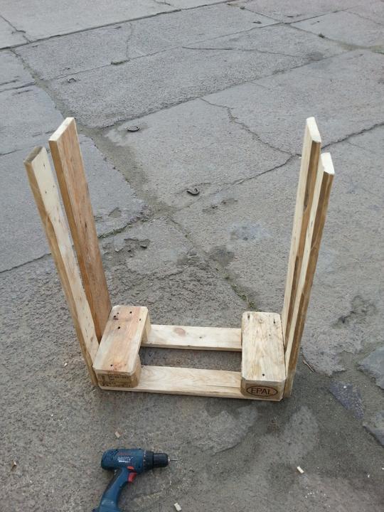 Этажерка изстроительных паллет своими руками