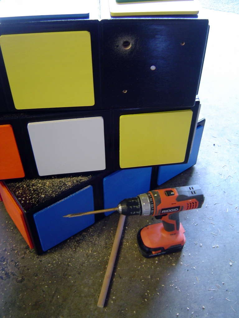 Комод ввиде кубика Рубика