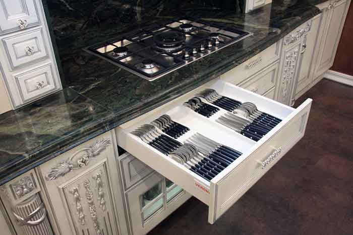Системы хранения кухонной утвари