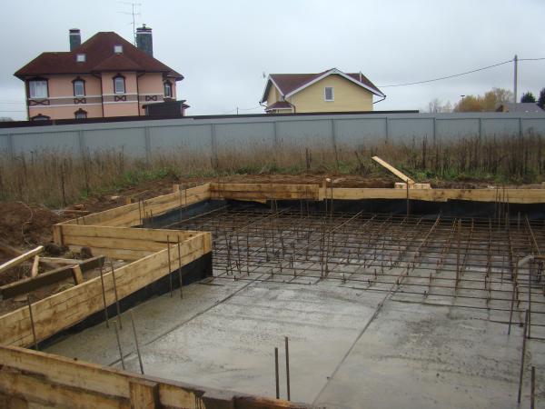 Сооружение плавающего фундамента своими руками