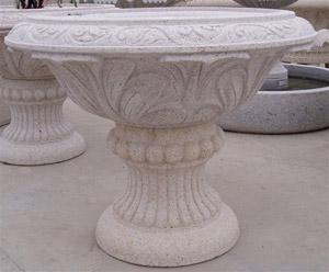 Советы повыбору уличных вазонов изнатурального камня