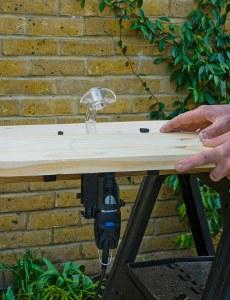 Изготовление деревянной полочки ради картины