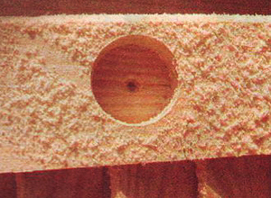 Обустройство балкона: как сделать навесной шкафчик