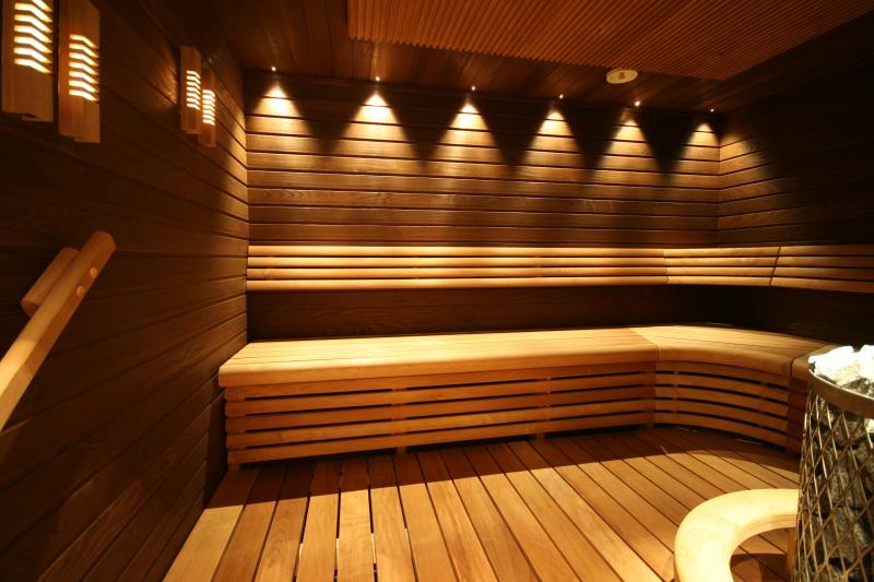 Освещение в  бане — каким оно надо быть быть?
